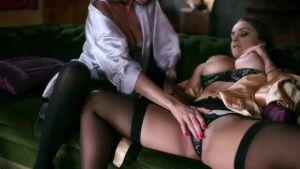 Красивый секс с двумя шикарнейшими женщинами