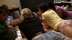 Калмычка, кыргызка и две русских шлюшки собрались в одной квартире готовиться к экзамену