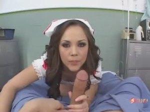 Сексапильнейшая медсестричка отдалась пациенту