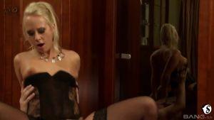 Отличный секс с соблазнительной блондинкой